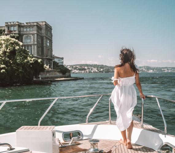 explore Instanbul-Karaköy-boat cruise