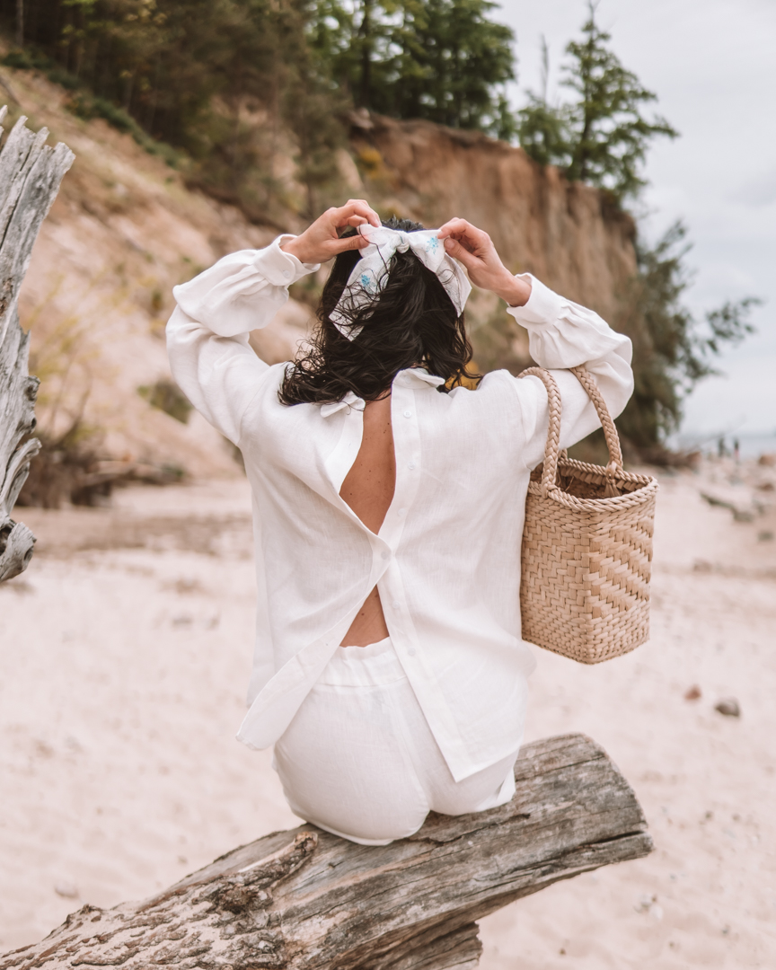 Betty On The Go-linen clothing