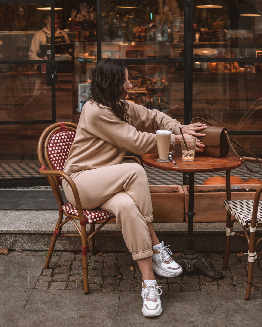 Athleisure - Betty On The Go